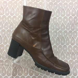 Via Spiga Women's Brown Ankle Boots Size 6.5 M S76
